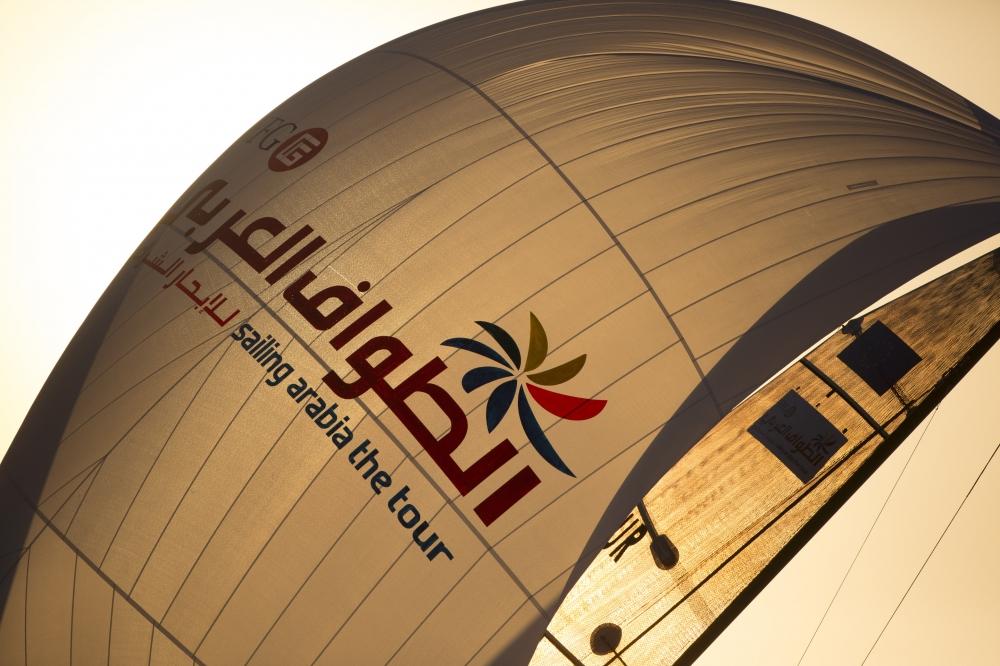 Abu-Dhabi-Inport-Racing-Credit-Lloyd-Images-09